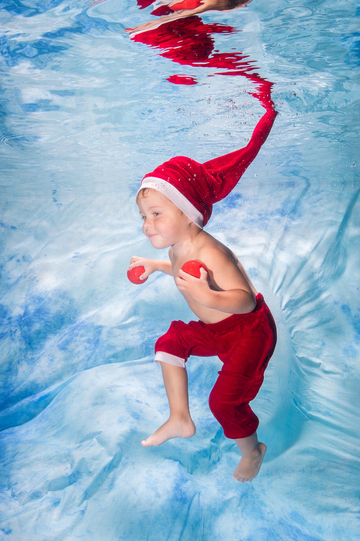 Photograph kommt zum Babyschwimmen